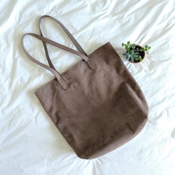Old Navy Handbags - Old Navy Faux Suede Tote Bag